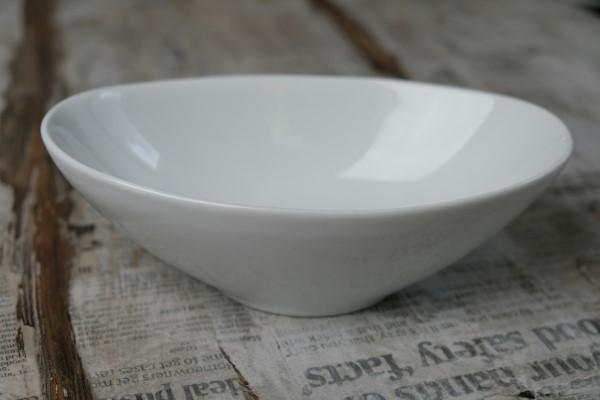Papillon oval bowl